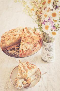 Rhubarb pie Rhubarb Pie, Camembert Cheese, Sweets, Food, Good Stocking Stuffers, Goodies, Meals, Candy, Yemek