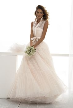 le spose di gio wedding dress | le_spose_di_gio_wedding_dress_primary.jpg Don't like the top on this but like the bottom