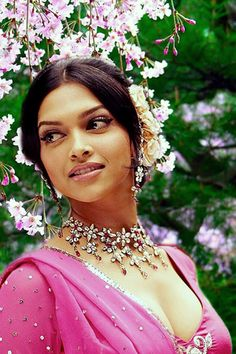 Model / Actress : Deepika Padukone