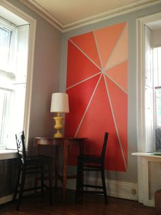 Starburst ombre wall art DIY -Would look great at the end of the hall or the top of the stairs.