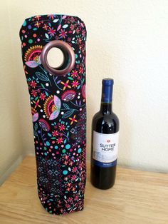 Black Pink Blue Flower Patterned INSULATED Wine Tote, Wine Bag, Champagne Bag, Gift Sack, Hostess Gift, Housewarming Gift