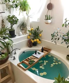 This bohemian bathroom is vivid and vibrant, the usage of the curtain set and th. This bohemian bathroom is vivid and vibrant, the usage of the curtain set and the rug as nicely as Bohemian Bathroom, Cozy Bathroom, Bohemian Decor, Bathroom Plants, Bohemian Style, Garden Bathroom, Bathroom Inspo, Bathrooms With Plants, Jungle Bathroom