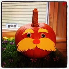 Easy Lorax Halloween pumpkin for toddlers!