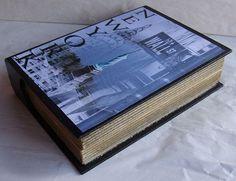 Caixa em formato de livro R$70,00