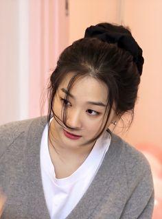 Kang Seulgi, City Wallpaper, Red Velvet Seulgi, Blackpink Jennie, Mamamoo, Kpop, Hair Styles, Beauty, Women