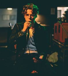 Image shared by Find images and videos about music, the vamps and bradley simpson on We Heart It - the app to get lost in what you love. Bradley Will Simpson, Beautiful Boys, Pretty Boys, Brad The Vamps, Perrie Edwards, Duchess Kate, Liam Payne, Poses, Classic Hollywood