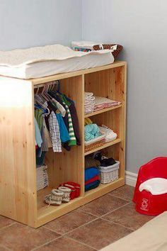 Useful and Montessori motivated actions for baby and young . View other great ideas about Baby video games, Montessori young one and Newborn baby behavior. Baby Bedroom, Kids Bedroom, Room Baby, Montessori Bedroom, Ikea Montessori, Montessori Toddler Rooms, Montessori Homeschool, Maria Montessori, Montessori Materials
