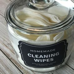 Easy-to-make natural dishwasher detergent -- for clean, sparkling dishes without using harsh, toxic chemicals. {made with essential oils}