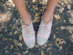 .two tone oxfords lace up no heel