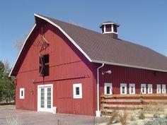 Red barn at chafield Denver botanical gardens, Denver CO