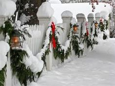 i want a white picket fence just so I can decorate it for winter