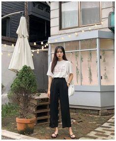 67 Ideas Womens Fashion Casual Spring Cute Outfits Street Styles For 2019 Korean Fashion Trends, Korea Fashion, Asian Fashion, Mode Outfits, Fashion Outfits, Fashion Tips, Fashion Design, Womens Fashion, Fashion Ideas