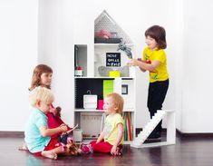 En mi post de hoy os presento unas modernísimas casas de muñecas de Boomini, la marca deJoanna Kruszec, una polaca que comenzó a diseñarlas cuando formó su familia. Las diseña en dos acabados diferentes, madera y color blanco.Tremendamente sofisticadas, amplias y modernas, la casa en…