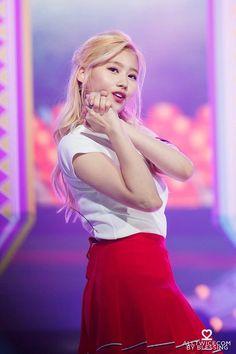 Lovely Twice Photo Part 10 - Visit to See More - AsianGram Shy Girls, Kpop Girls, Kpop Girl Groups, Korean Girl Groups, Sweet Girls, Cute Girls, Asian Woman, Asian Girl, Korean Haircut