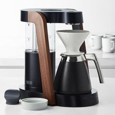 Coffee Machine Brands, Coffee Maker Machine, Best Coffee Maker, Drip Coffee Maker, Coffee Cups, Coffee Time, Modern Coffee Makers, Old Pottery, Cobalt Glass