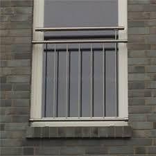 absturzsicherung drahtseile vor fenster gel nder pinterest franz sische balkone gel nder. Black Bedroom Furniture Sets. Home Design Ideas