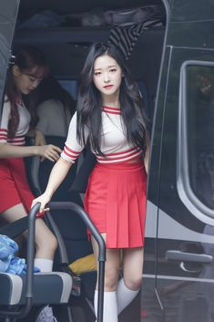 Welcome to FYLOONA! your best source for everything about Blockberry Creative's girl group, LOOΠΔ. Providing you translations, photos, news, and updates since Please take out our translations. Teaser, Korean Entertainment, Bts And Exo, Cosplay, Olivia Hye, Popular Music, Sooyoung, Girls Generation, South Korean Girls