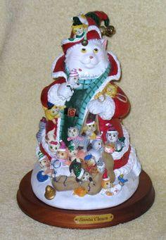 CAT Figurine SANTA CLAWS by Bill Bell The Danbury Mint SANTA CAT w/ Little Cats