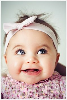 This girl is adorable!! Those eyes, that smile!! I hope I have a girl one day :-)