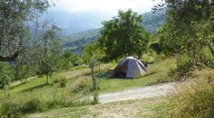 Kleine campings en Mini campings in Italië Alle kleine campings in Italië in één overzicht. Camping Europe, Camping Glamping, Bologna Italy, Germany And Italy, Caravans, Campsite, Outdoor Gear, Tent, Road Trip