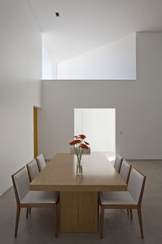 Migliari Guimarães House / DOMO Arquitetos