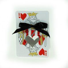 Ce ballotin ressemblant à une carte à jouer est idéal pour un mariage ou un anniversaire sur le thème du Casino et du poker, associez lui la Reine de coeur ! #mariage #casino #poker