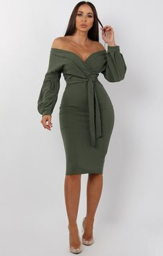 Keep your summer look beyond classy in this luxe Khaki belted bodycon midi dress. With the bright colouring, body hugging fit and wrap front design along with the addition of belted detailing and the… Pretty Dresses, Sexy Dresses, Dress Outfits, Casual Dresses, Fashion Dresses, Dress Up, Bodycon Dress, Formal Dresses, Summer Dresses