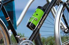 BoomBottle: Un altavoz con forma de botella para bicicletas