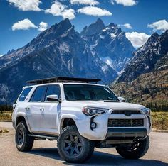 Great pic of a beautiful Lifted Toyot 4runner