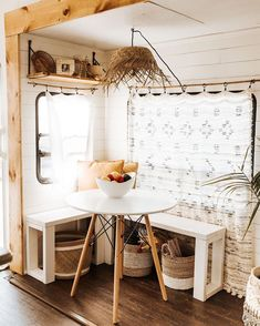A tiny bohemian house you won't believe is a motorhome - Daily Dream Decor Tiny House Living, Rv Living, Modern Living, Living Room, Small Living, Travel Trailer Remodel, Travel Trailers, Bohemian House, Bohemian Style