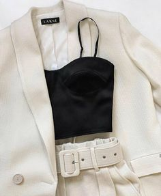 - Outfits for spring summer fall and winter. A mix of thrifted vintage clothing and current trends. Look Fashion, Winter Fashion, Fashion Outfits, Womens Fashion, Fashion Tips, Fashion Trends, Travel Outfits, High Fashion, 2000s Fashion
