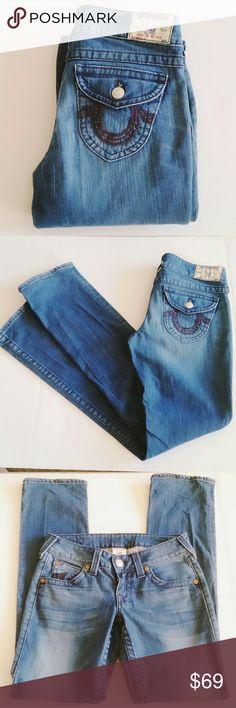 "True Religion Medium Wash Straight Leg Jeans True Religion Medium Wash Straight Leg Jeans Embroidered pocket detail, 99% cotton, 1% spandex Size 28, Rise 7.5"", Inseam 33"" True Religion Jeans"
