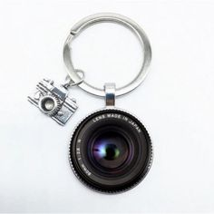 Objektív lencse fotós kulcstartó Jewelry Sets, Jewelry Accessories, Between Friends, Thing 1, Camera Lens, Metallica, Cool Things To Buy, Great Gifts, Fashion Jewelry