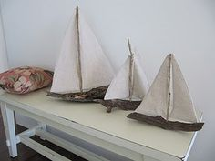 make your own driftwood sailboat - tutorial. This would be a great little project with driftwood from Seaside next time J and I venture out west! Driftwood Projects, Driftwood Art, Diy Projects, Painted Driftwood, Beach Crafts, Home Crafts, Summer Crafts, Coastal Living, Coastal Decor