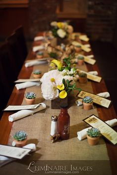 Restaurant wedding reception table arrangements