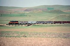 Railroad Photography, Art Photography, Beach Vacation Outfits, Milwaukee Road, Train Pictures, North Dakota, Old Trucks, Dolores Park, Travel