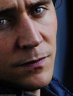 Tom Hiddleston. How did it take me so long to join the Hiddleston club?