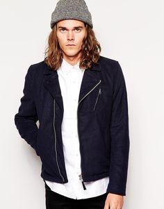 Jacke von Cheap Monday 100% Baumwolle Jeansstoff Biker-Stil Reißverschluss schräge Seitentaschen reguläre Passform - entspricht den Größenangaben Das Model trägt Größe M und ist 6 Fuß 1 Zoll/185,5 cm groß Maschinenwäsche