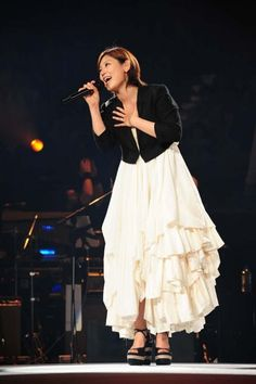 Ayaka to live broadcast her concert in theaters across Japan