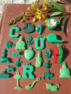 Instant Collection, Vintage Plastic Charms, Jewelry Charms, Prizes and Trinkets