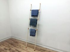 Copper and Wood Accessory Rack por SamichiDesign en Etsy