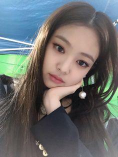 Kim Jennie, Yg Entertainment, What Is Kpop, Divas, Cute Baby Videos, Ulzzang Korean Girl, Cute Girl Face, Blackpink Photos, Blackpink Fashion