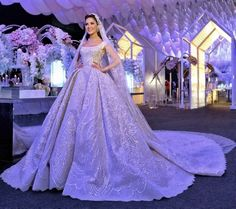 We are totally in love with this show stopping wedding gown ▪Wedding dress : Elie saab ▪Wedding planner : Mine ▪Wedding venue : beirut. Wedding Dress With Veil, Wedding Dresses With Straps, Perfect Wedding Dress, Wedding Dress Styles, Dream Wedding Dresses, Bridal Dresses, Wedding Gowns, Wedding Cake, Wedding Reception