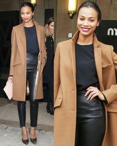 élégant manteau droit de couleur camel et legging à taille haute