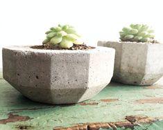 Urban Industrial Cement Planters Modern by pippamarxstudio on Etsy Cement Art, Cement Planters, Diy Planters, Garden Planters, Planter Pots, Cement Crafts, Modern Industrial Furniture, Urban Industrial, Garden Terrarium