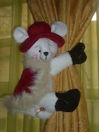 Resultado de imagen para imagenes cortineros navideños Snowman, Teddy Bear, Embroidery, Toys, Outdoor Decor, Holiday, Animals, Home Decor, Art