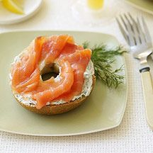 A great Bagel Spread With Smoked Salmon And Dill Cream Cheese Recipe from Weight Watchers__ My favorite food ever! Carolyn's makes it the best! Ww Recipes, Salmon Recipes, Great Recipes, Cooking Recipes, Favorite Recipes, Weight Watchers Lunches, Plats Weight Watchers, Healthy Snacks, Healthy Eating