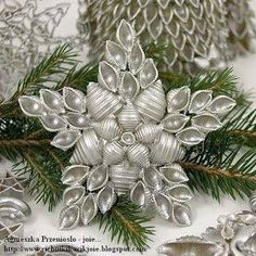 Uploaded by l i a. Find pictures and videos for Christmas, DIY and . - Uploaded by l i a. Find pictures and videos for Christmas, DIY and decoration …, … - Handmade Christmas Decorations, Christmas Ornament Crafts, Christmas Crafts For Kids, Christmas Projects, Holiday Crafts, Christmas Holidays, Homemade Christmas, Cheap Christmas, Macaroni Crafts