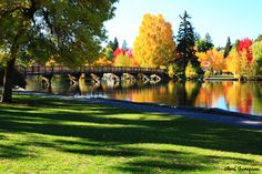 Deschutes River and Drake Park... Bend, Oregon
