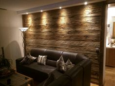 Altholz Wandverkleidung Old wood wall cladding old wood wall cladding The post old wood wall cladding appeared first on dining room ideas. Wooden Wall Cladding, Wooden Walls, Home Living Room, Living Room Decor, Living Spaces, Interior Decorating, Interior Design, Old Wood, Sweet Home